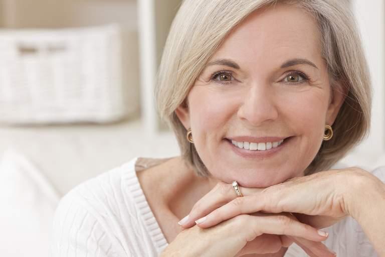Die Wichtigkeit von Zahnpflege während der Wechseljahre