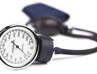 Parodontitis erhöht die Wahrscheinlichkeit für Bluthochdruck
