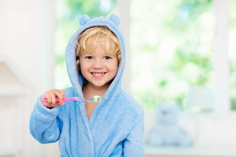 Jedes fünfte Kind putzt sich nur unregelmäßig die Zähne