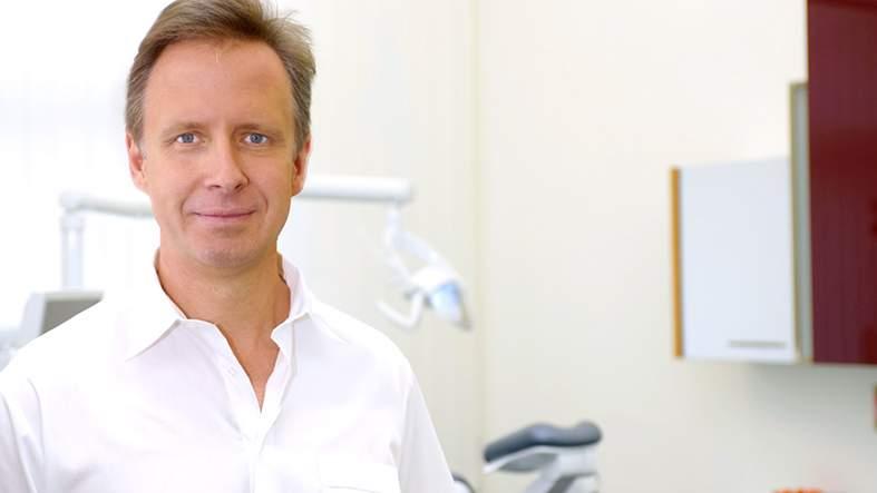 Dr. med. dent. Marcus Nowak, Zahnarzt, Berlin