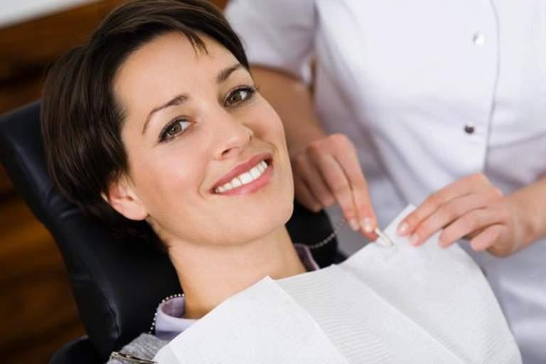 Patientenratgeber zu Thema Zahnimplantate