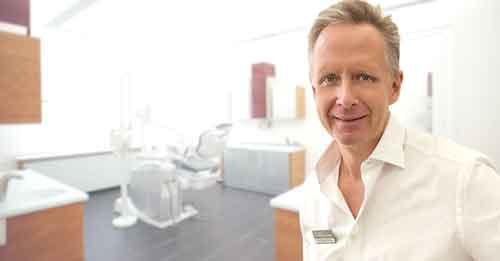 Dr. med. dent. Marcus Nowak, Zahnarzt für Implantologie und Orale Chirurgie